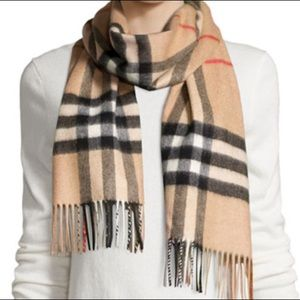 Burberry giant checkmate scarf